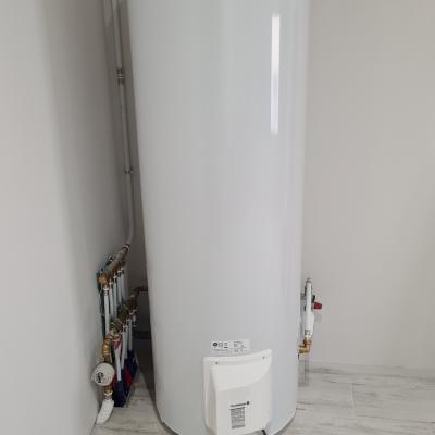 Chauffe-eau électrique 300Litres stable